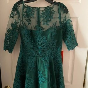 NWT Monique Lhuillier Green Lace Dress
